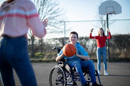 Pour le sport comme pour le handicap, un défi à relever pour devenir le champion de la vie